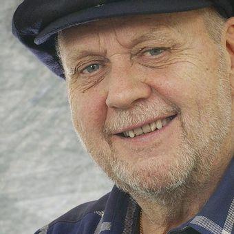 Peter Lee Stirling